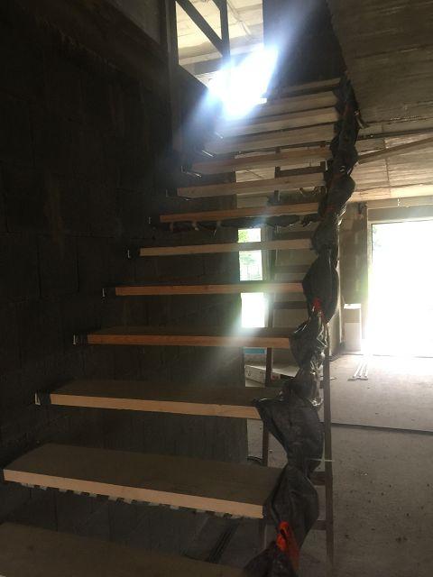 31_Schlosserarbeiten-Rohbautreppe